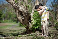 Huang Jun & Wang Qian Wei - Engagement / PreWedding by Heru Photography