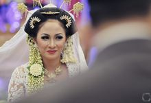 The Wedding of Sally + Rizky by The Move Up Portraiture