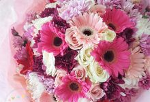 Wrapped Bouquet by Roseveelt Florist