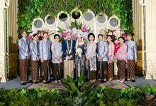 KARA & RIZQI -WEDDING DAY by Fotologue Photo