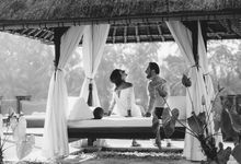 Intimate Post Wedding Session of Nicky & Hootan in Bali by fire, wood & earth