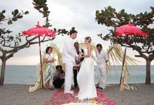Beach Wedding by lombok wedding planner