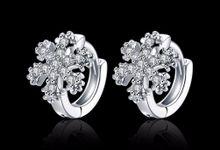 TIARIA Diamond Snowflake Gold Earring Perhiasan Anting Emas Berlian by TIARIA