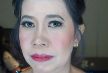 Tante of Groom Makeup by Mirawanti Hairdo by Team by MRS Makeup & Bridal