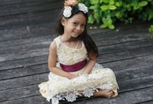 Shabby chic and rustic style dress for girls by Dear Mimi - Flower Girl's Dress