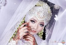 The Bride by Jirolu Photography