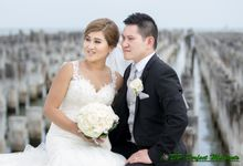 Oi Ling & Anthony by Dewi Tan Makeup