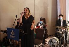 Lounge Jazz wedding band at Double Tree Jakarta by Double V Entertainment by Double V Entertainment