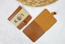 b-wallet packaging roll paper for dera & nanda by Gemilang Craft