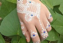 White Henna Glamour by Arme Henna Art