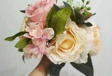 Luxe Bridal Bouquet - Artificial Flowers by Zarameadou Floral