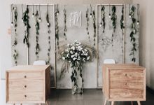 Minimalist Grey and Gold Wedding of Franky and Meldi by Elior Design