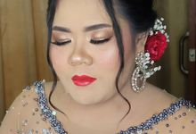 Risa kusuma wedding by White Make Up and Hair Do