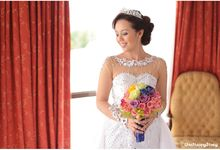The Bride and her Rainbow brigade by One Happy Story
