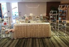 Photo Album Table  Styling by Jcraftyourevents by Jcraftyourevents