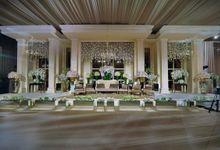 Elegant Simplicity by Flora Lines Decoration