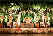 The Wedding of Marhelly Unger & Damar Sandhisutra - Enchanted Forest Decoration by Toast Party Organizer