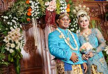 Anto & Tiwi Wedding by eFKa photography
