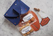 Sari Putra & Imelda Joseph goodie bags by Tintje's Cookies