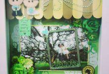 Scrapbook in Frame by Gratia Handicraft