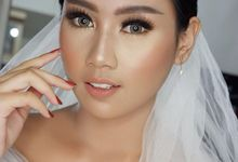Warm Makeup for bride  by valentinemakeupart