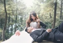 Prewedding Outdoor by VANES PHOTOGRAPHY