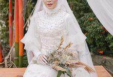 Wedding dress and Baju kurung adat Palembang by WirantiKurniabride