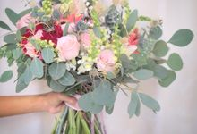 Rustic flowers by Rhea flowers shop