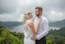 Saskia &  Andre by Dean Bali photography