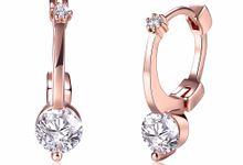 TIARIA Diamond Simple & Chic Gold Earring Perhiasan Anting Emas Berlian by TIARIA