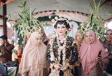Widya + Angga - Javanese Fine-Art Wedding Session by Photolagi.id