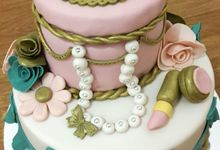 Wedding Cakes and Cupcakes by Rolling Pin Sugar Art