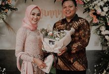 The Engagement pf Winny & Pandu by La Societa