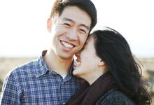 Beach Engagement session by Rebecca Ou Photography