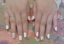 Dinar Wedding Nails by PONINONI NAILS
