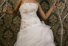 Lonely Bride by Monika Sujono Make Up Artist