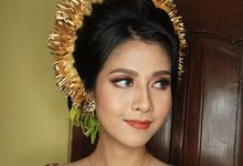 Makeup hairdo for Balinese engagement ceremony  by deristyana.makeup