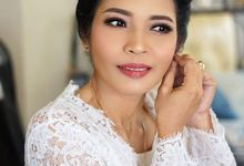 Bridee ibu Devii by Megautari Anjani