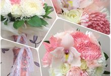 Pastel wedding flower theme by Ste Florist