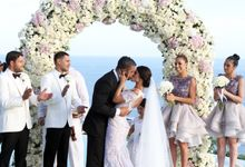 Beautiful Beach Wedding by Karma Kandara
