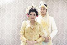Bugis Wedding - Mela Hadi by SVARNA by IKAT Indonesia Didiet Maulana