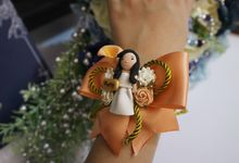 Hand Corsage by Art of ME