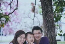 Anniversary Family Portrait by jimmyteoh photography