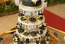 Wedding Cakes & Cupcakes by De Bliss Cakes