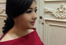 My Make Up  by mellymoxie