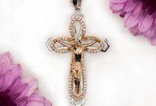 Cross Pendant by CLARTE Jewellery