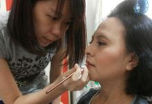 Professional make up course for Mei by Veemakeupartist