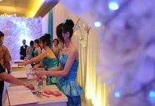 Penjaga angpao - usherette - penjaga meja tamu by Various Dance Enterprise