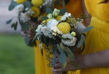 Cheerfulness Yellow at Pandawa Cliff Estate by Flora Botanica Designs