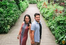 Aron and Mia Metro Manila Engagement by Victor Reyes Photography